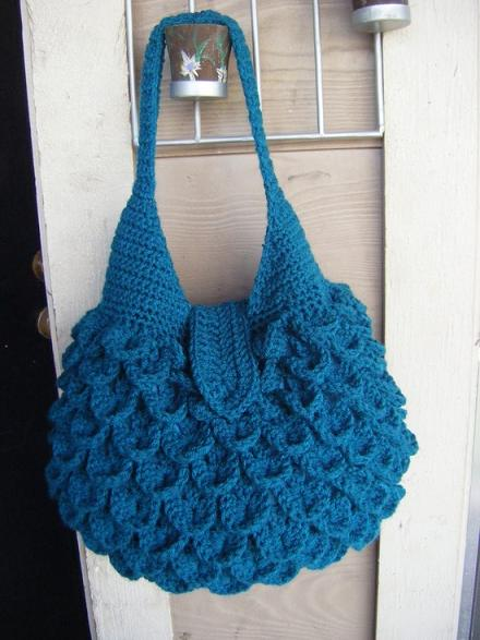 Crochet Designer Purse Patterns : Crocodile Crochet Bag Pattern arstyle.org Stylish crochet bag pattern ...