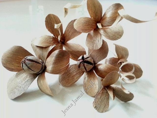 Diy wood flower making step by steptutorial life chilli for Waste material flower making